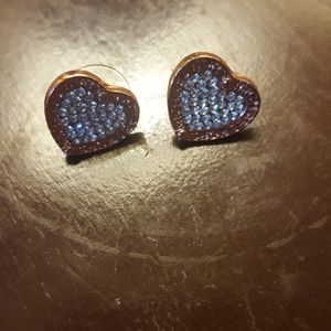 Jewelry - Rose gold heart earrings
